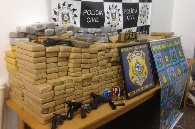 Polícia apreende meia tonelada de droga em caminhonete com placas clonadas em Vacaria Polícia Civil/Divulgação