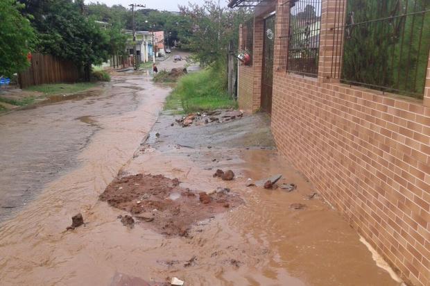 Rompimento de rede pluvial aguarda por conserto há três anos, em Alvorada Arquivo Pessoal / Leitor/DG/Leitor/DG