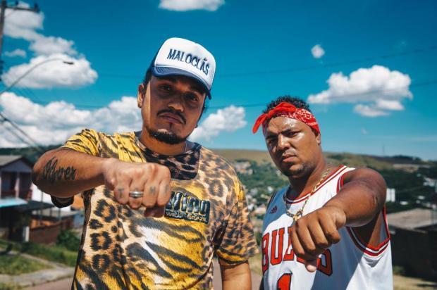 Dupla de rappers aposta em vários temas para cair no gosto de diferentes tipos de público Omar Freitas/Agencia RBS
