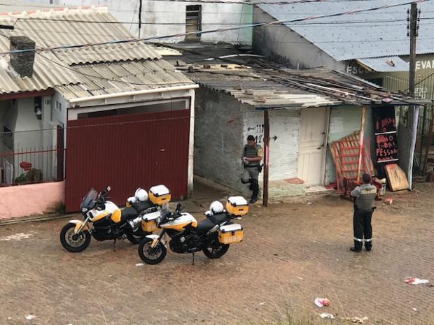 Com 380 policiais, Brigada Militar faz operação em áreas conflagradasde Porto Alegre Cid Martins / Agência RBS/Agência RBS