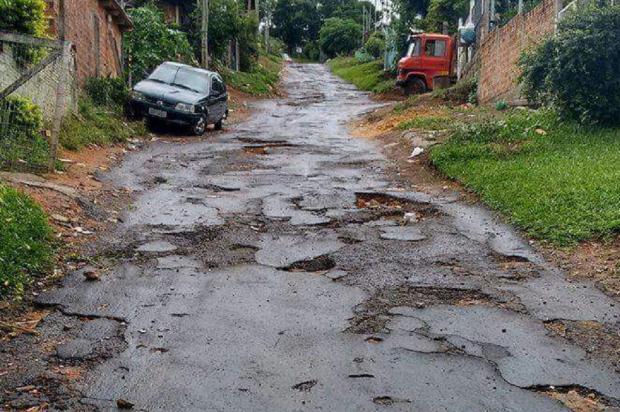 Com asfalto em falta na cidade, buraqueira marca presença nas ruas de Porto Alegre Arquivo Pessoal / Leitor/DG/Leitor/DG