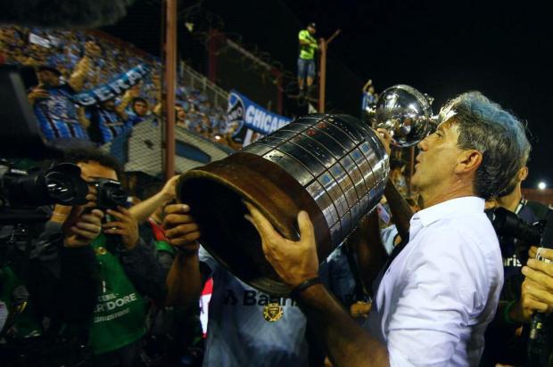 """Cacalo: """"Imagino que esteja ficando muito comum para o Grêmio conquistar a Libertadores"""" LUCAS UEBEL/GREMIO FBPA/LUCAS UEBEL/GREMIO FBPA"""