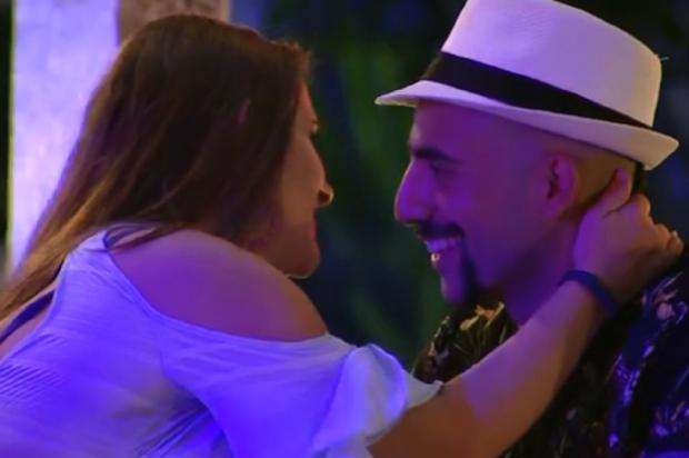 Boletim BBB: casais trocam beijos na festa e Ana Clara tem papo longo com Paula TV Globo / Reprodução/Reprodução