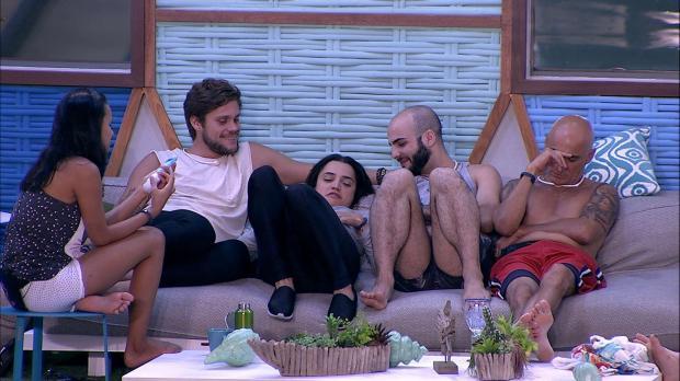 Boletim BBB: edredom movimentado, melancolia e brigas nas horas que antecedem o paredão TV Globo / Reprodução/Reprodução