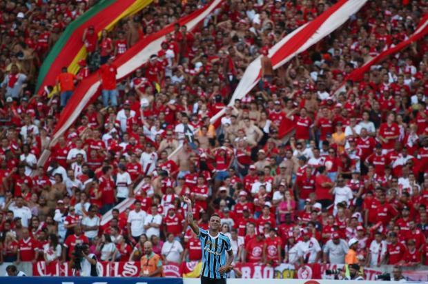 Com dois gols de Luan, Grêmio vence o Inter e provoca novos clássicos nas quartas Jefferson Botega/Agencia RBS