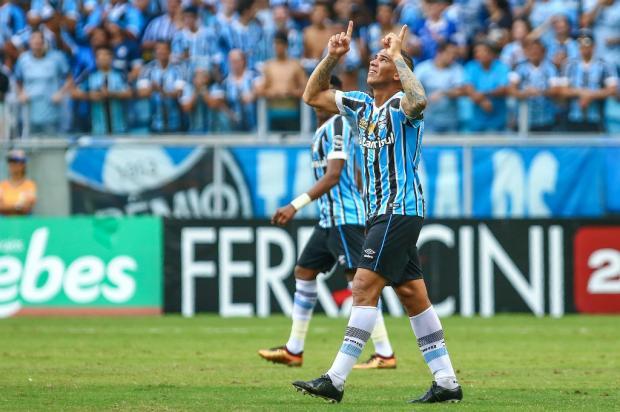 """José Augusto Barros: """"Calma, Jael não virou craque do dia para a noite"""" Lucas Uebel / Grêmio, Divulgação/Grêmio, Divulgação"""