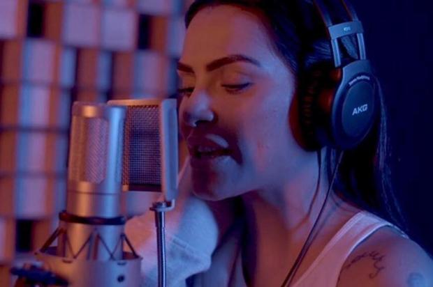 Cleo Pires se lança na carreira de cantora e divulga primeiro EP Instagram/Reprodução