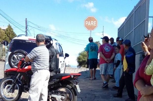 Cães farejadores e policiais fazem busca por Naiara no distrito de Ana Rech, em Caxias Eduardo Ramos Dos Reis/divulgação