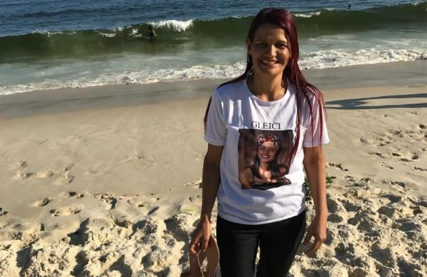 """""""BBB 18"""": mãe de Gleici vê o mar pela primeira vez e emociona fãs da sister Twitter / Reprodução/Reprodução"""