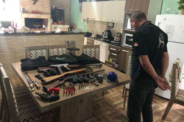 Com funerária de fachada, facção transportava armas dentro de caixões em Sapucaia Polícia Civil / Divulgação/Divulgação