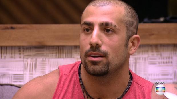 """""""BBB 18"""": Kaysar se contradiz na casa, público desconfia e favoritismo do sírio é abalado; entenda TV Globo / Reprodução/Reprodução"""
