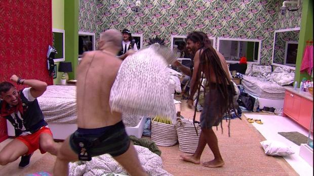Boletim BBB: produção ameaça punir brincadeiras violentas com expulsão TV Globo / Reprodução/Reprodução