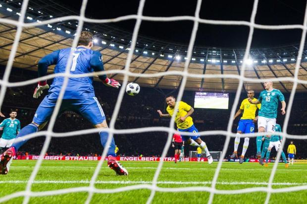 """Luciano Périco: """"Seleção venceu jogo de xadrez contra a Alemanha"""" Patrik STOLLARZ/AFP"""