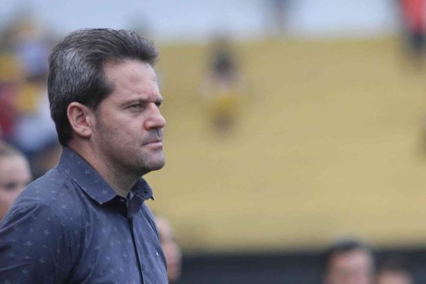 Cacalo: Grêmio enfrentará o CSA de um técnico motivador, íntegro e sagaz Caio Marcelo/www.criciuma.com.br / Divulgação/Divulgação