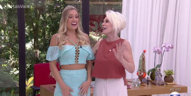 """No """"Mais Você"""", Jéssica é coroada e fala sobre futuro da relação com Kaysar Reprodução / TV Globo/TV Globo"""