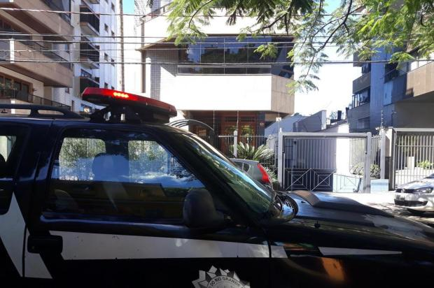 Criminosos se disfarçam de policiais para assaltar apartamento em Porto Alegre Eduardo Paganella/Agencia RBS