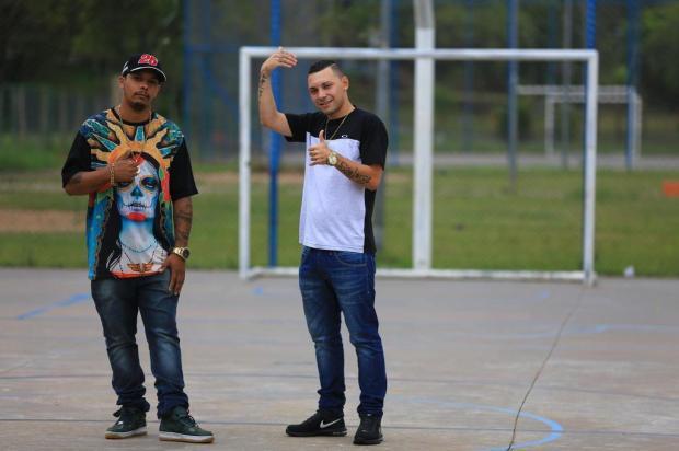 Funk dançante com os dois pés na comunidade: conheça MC Aleh do Iapi Félix Zucco/Agencia RBS