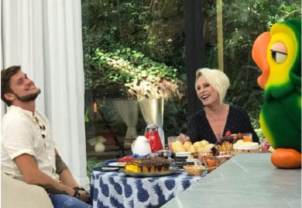 """No """"Mais Você"""", Breno fala sobre a fama de pegador e revela com quem pretende ficar TV Globo / Reprodução/Reprodução"""