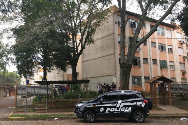 Mãe e filha são mortas a facadas em apartamento no Humaitá Vitor Rosa / Agência RBS/Agência RBS