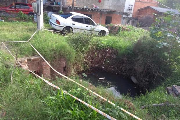 Rede pluvial rompida aguarda conserto há mais de um ano, em Porto Alegre Arquivo Pessoal / Leitor/DG/Leitor/DG