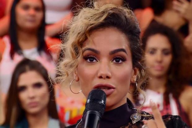 Anitta prestigia composição de fã e afirma que nunca cantou por dinheiro Reprodução/Globo