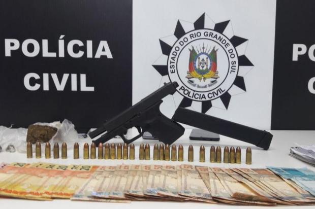 Dupla é presa com pistola e munições em Novo Hamburgo Polícia Civil/Divulgação