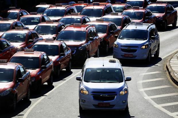 A cor da discórdia: veja o que pensam taxistas sobre a troca do vermelho pelo branco nos táxis da Capital Mateus Bruxel/Agencia RBS