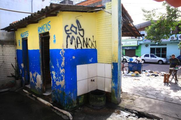 Abandono de banheiros públicos preocupa moradores de Sapucaia do Sul Tadeu Vilani / Agência RBS/Agência RBS
