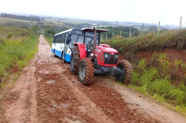 Moradores de localidade rural de Viamão ficam isolados por quatro dias devido às más condições de estrada Arquivo Pessoal/Divulgação