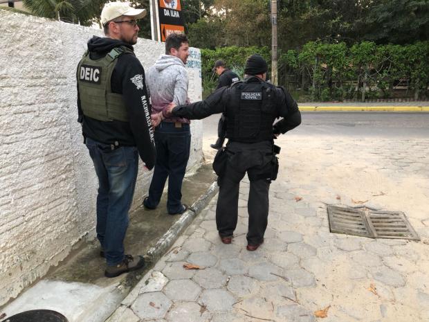 Polícia Civil desarticula quadrilha gaúcha que se esconde em SC após roubos a bancos no RS Polícia Civil / Divulgação /
