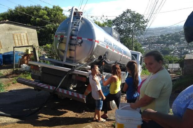 Em rua onde a água não chega, caminhão-pipa precisa abastecer moradores semanalmente, na Capital Arquivo Pessoal / Leitor/DG/Leitor/DG