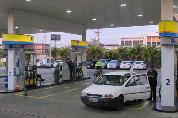 Após semana de longas filas, postos de Porto Alegre recebem gasolina e voltam ao normal aos poucos Felipe Daroit / Agência RBS/Agência RBS