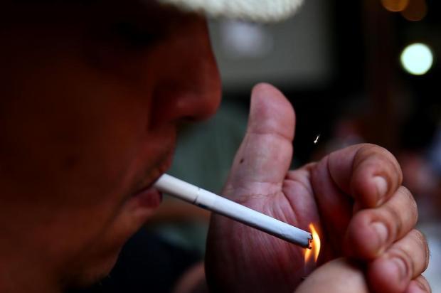 Cai o número de fumantes em Porto Alegre Bruno Alencastro/Agencia RBS