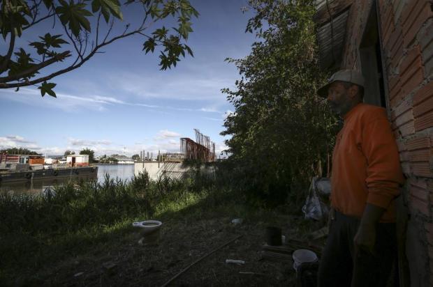 Pilares da nova ponte do Guaíba chegam ao limite da Ilha dos Marinheiros e moradores ainda temem pelo futuro Carlos Macedo/Agencia RBS