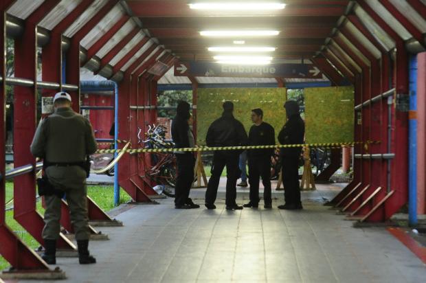 Homem é assassinado no acesso de estação do Trensurb em São Leopoldo Ronaldo Bernardi / Agência RBS/Agência RBS