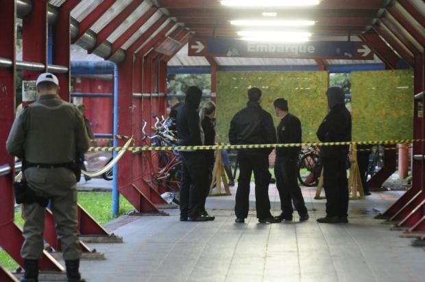 Assassinato de homem na entrada de estação do trensurb leva pânico à população Ronaldo Bernardi/Agencia RBS