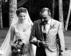 Grávida de cinco meses, Isis Valverde se casa no Rio de Janeiro /