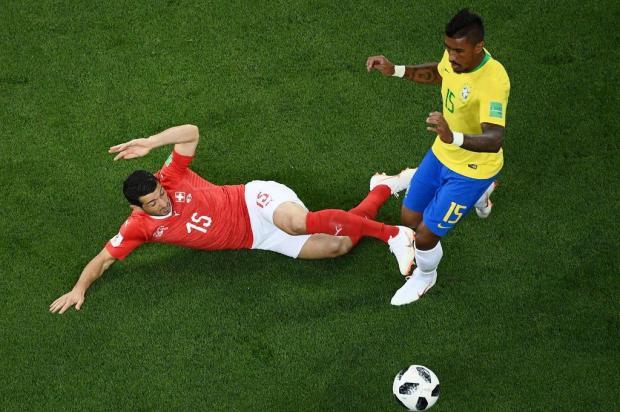 """Zé Alberto Andrade: """"De novo, Paulinho? Jewel SAMAD/AFP"""