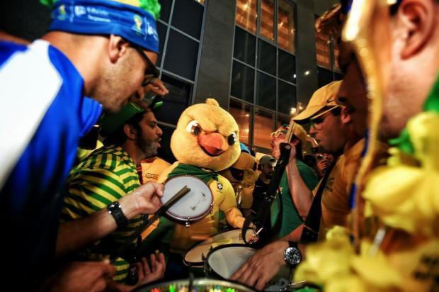 """Luciano Périco: """"Euforia verde-amarela na chegada do Brasil a Moscou"""" Anderson Fetter/Agencia RBS"""