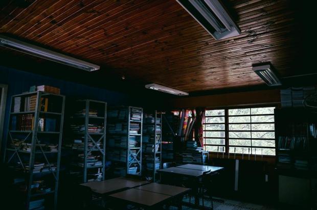 Escola de Viamão funciona sem energia elétrica há quatro meses Omar Freitas/Agencia RBS