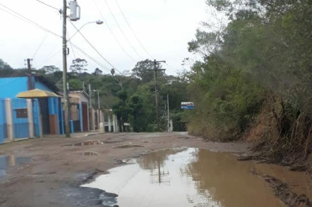Abandono na Estrada dos Alpes segue prejudicando motoristas, em Porto Alegre Arquivo Pessoal / Leitor/DG/Leitor/DG