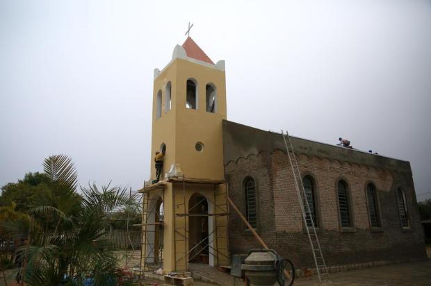 Comunidade da Restinga recebe Capela São Pedro após reforma Tadeu Vilani/Agencia RBS