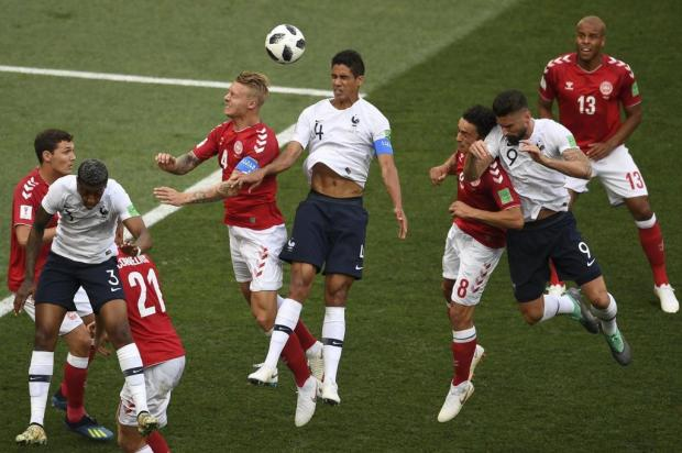 """Cacalo: """"A Fifa precisa encontrar um equilíbrio pleno na tabela de jogos da Copa"""" YURI CORTEZ/AFP"""
