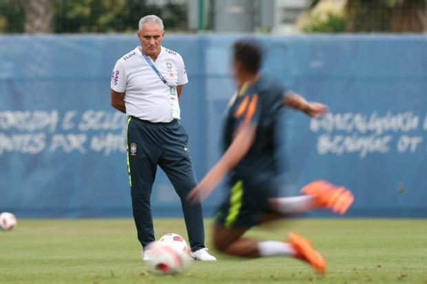 """Luciano Périco: """"Respeito é bom e preserva time na Copa"""" Lucas Figueiredo / CBF, Divulgação/CBF, Divulgação"""