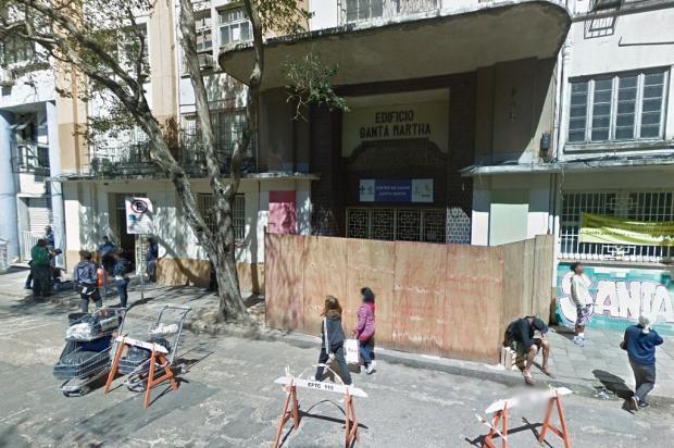 Isolada há quase um ano, marquise do Centro de Saúde Santa Marta não tem previsão de obras, em Porto Alegre Google Maps / Reprodução/Reprodução