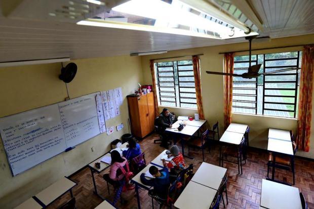 Após quatro meses de espera, alunos têm primeiro dia de aula com energia elétrica Júlio Cordeiro/Agencia RBS