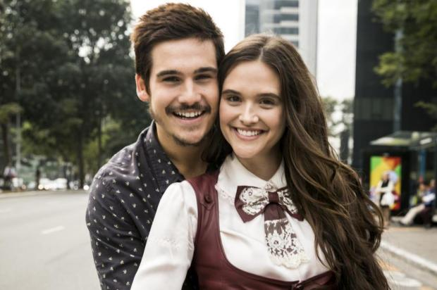 Casal romântico da próxima novela das sete, Juliana Paiva e Nicolas Prattes estão namorando também na vida real, diz jornal João Miguel Júnior/Globo
