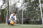 Conheça a história de Getulinho: guri de 13 anos teve paralisia cerebral e, hoje, é goleiro em time infantil Lauro Alves/Agencia RBS