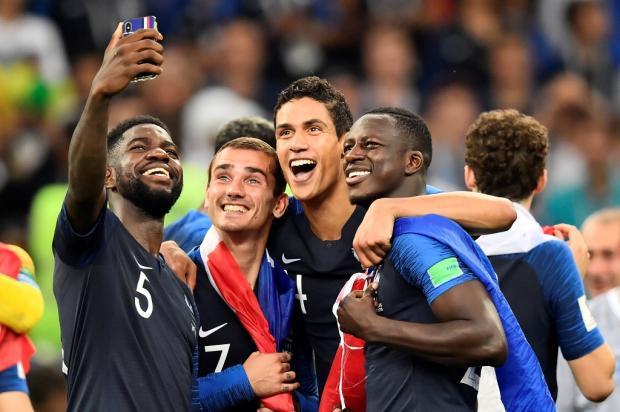 """Guerrinha: """"Copa do Mundo ficou em boas mãos"""" CHRISTOPHE SIMON / AFP/AFP"""