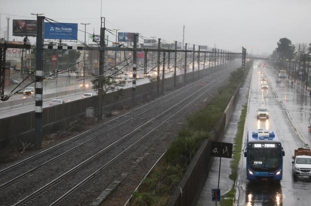 Trilho sofre fissura e trensurb registra atrasos nesta terça-feira Fernando Gomes/Agencia RBS